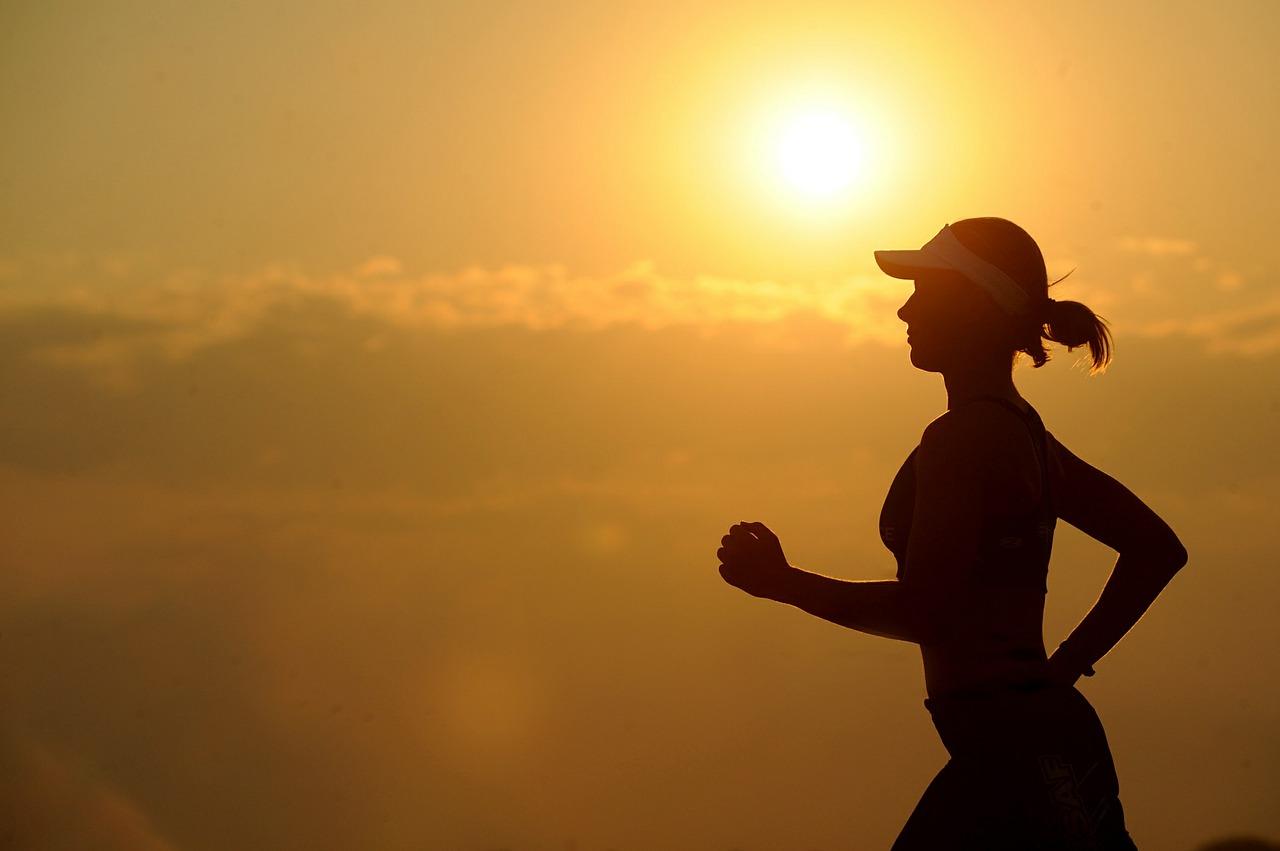 健康、生産性向上に効果あり?社会人こそスポーツをやるべき!